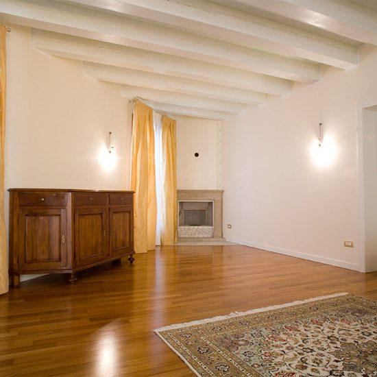 Edificio residenziale/direzionale in centro storico – Rovigo
